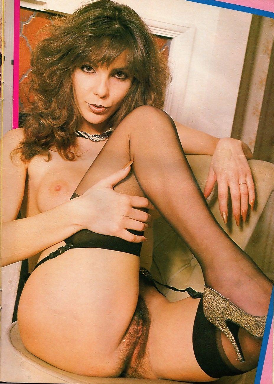 Elaine Taylor  nackt