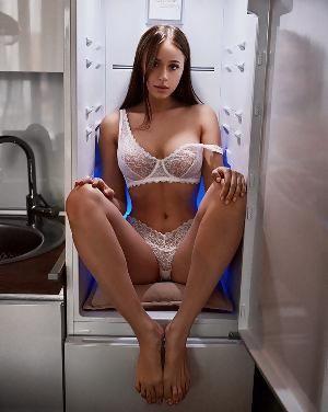 Nackt  Natasha Kuznetsova Natasha Kuznetsova