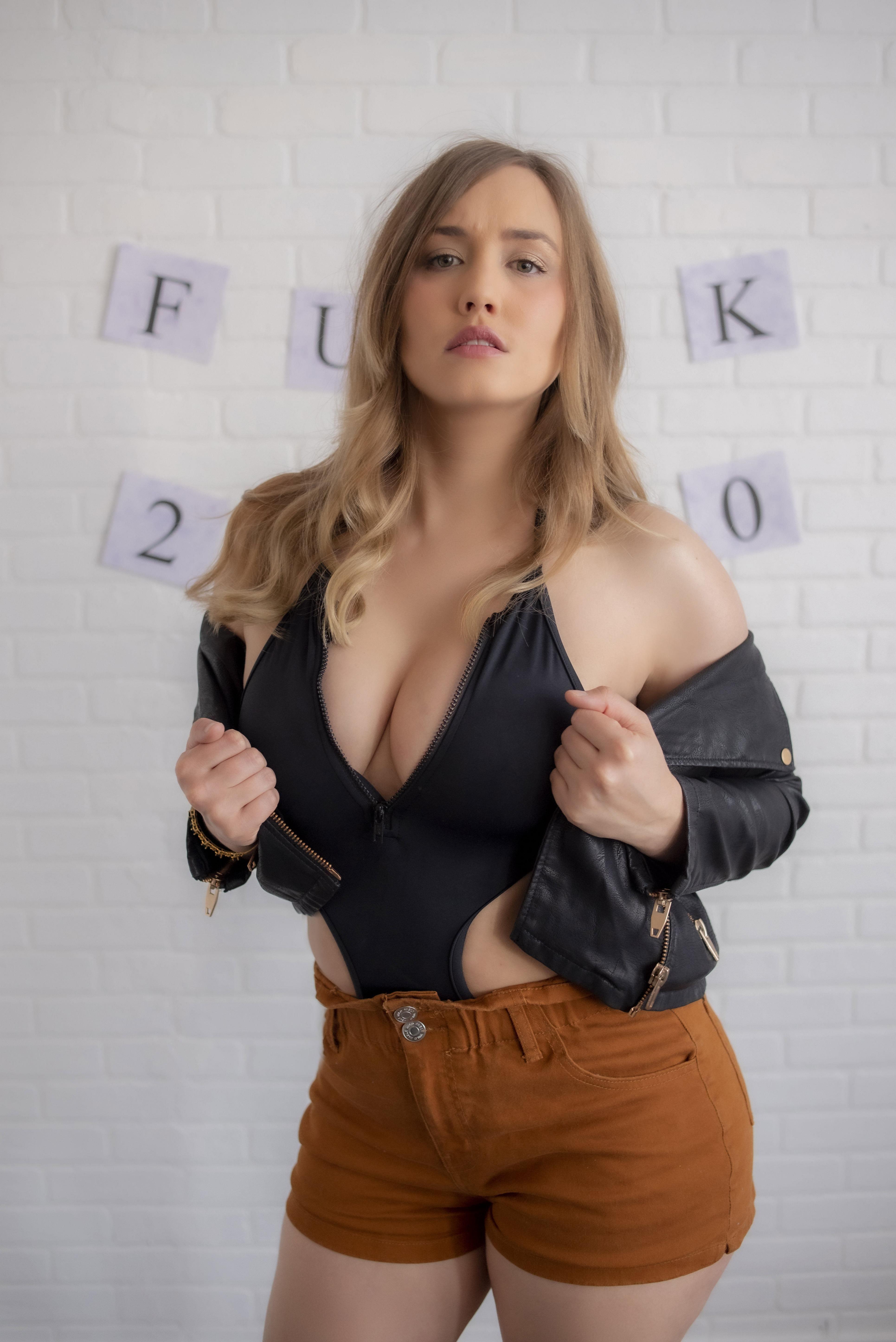 Naomi Kyle Porn
